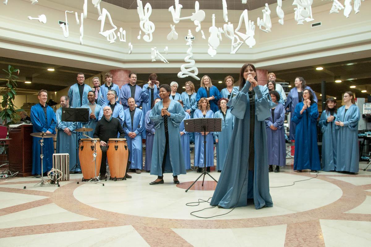 joyful-gospel-choir-25